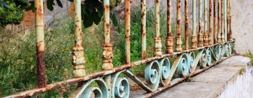 , Tips You NEED To Read If You Have A Wrought Iron Fence, KW Woodlands